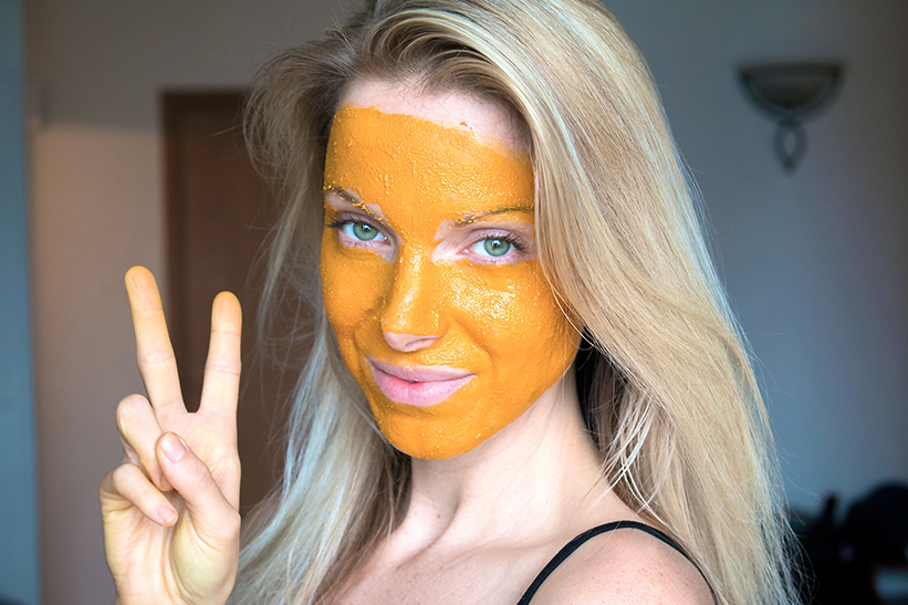 Kurkuma Honig Zitronenwasser Gesichtsmaske Fur Unreine Haut